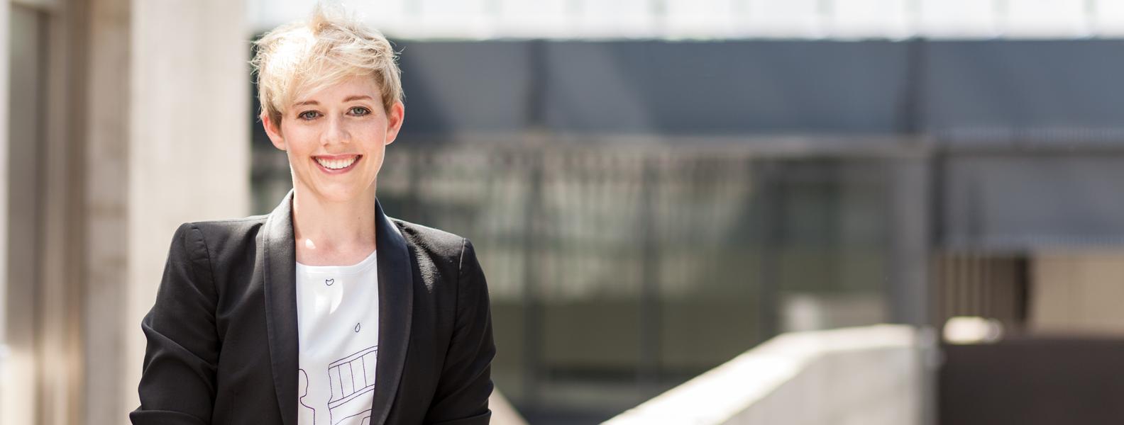 Slider – Steffi Burkhart als Sprachrohr in den Medien
